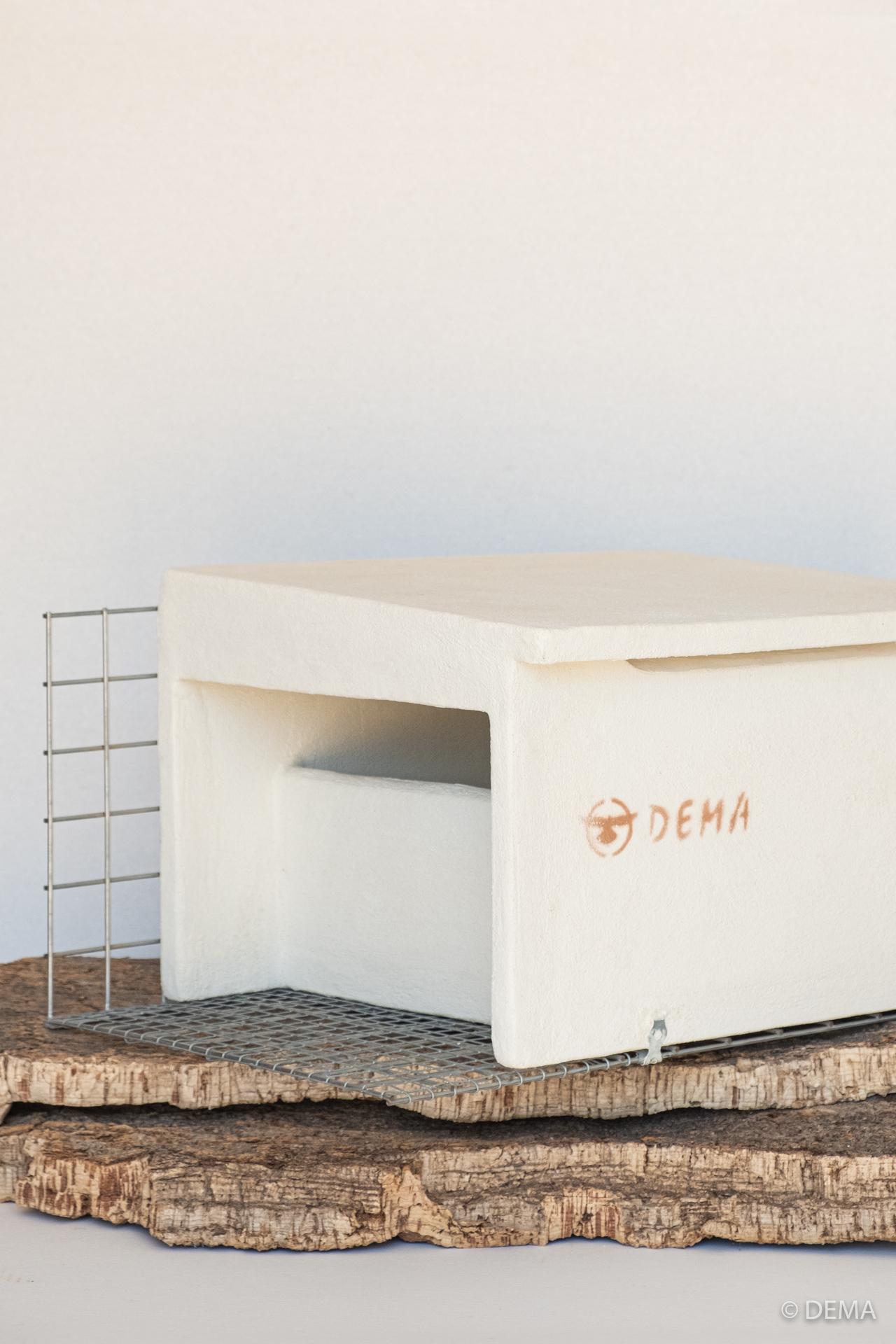 Detalle de un nido de cernícalo común fabricado por DEMA